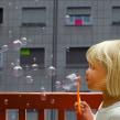 La burbuja - Pintura digital realizada con los dedos en el Ipad. A Design & Illustration project by Jaime Sanjuan Ocabo - 12.26.2013