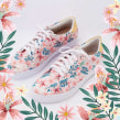 Sneakers florales. Um projeto de Ilustração, Pattern Design e Ilustração têxtil de Ana Blooms - 23.05.2019