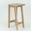 Taburetes Jequitibá . Un proyecto de Artesanía, Diseño de muebles y Diseño de producto de Patricio Ortega (Maderística) - 22.08.2019