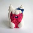 Whippa, Strawberry girl with whipped cream hair.. Um projeto de Design de personagens, Artesanato, Artes plásticas, Escultura, To e Art de droolwool - 24.04.2020
