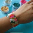 Beadings o telar de mostacillas . Um projeto de Artesanato, Design de joias e Criatividade de Fatto - 01.06.2020