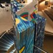 Sir Terence Conran's 85th birthday cake . Um projeto de Design, Arquitetura, Artesanato, Culinária e Criatividade de BRIK chocolate - 03.05.2021