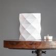 Origami lamps by Cartoncita. Un proyecto de Artesanía, Bellas Artes y Diseño de interiores de Estela Moreno Orteso - 31.01.2016