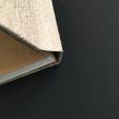 Proyecto Curso Encuadernación artesanal Sin costura:  cubierto en papel vinílico. A Design, Fotografie, Bildende Künste, Kartonmodellbau und Buchbinderei project by Susana Dominguez Martin - 09.09.2018