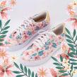 Sneakers florales. Un proyecto de Ilustración, Pattern Design e Ilustración textil de Ana Blooms - 23.05.2019