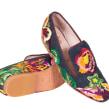 """""""Exotic Treasures"""" Calzado Bordado en cuero. . Un proyecto de Diseño, Diseño de calzado y Bordado de Ana María Restrepo - 15.12.2019"""
