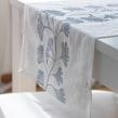 Ginkgo Table wear. Um projeto de Pattern Design, Estampagem e Tecido de Marta Afonso - 30.09.2016