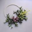 Paper foliage hoop wreath. Um projeto de Artesanato, Papercraft e Decoração de interiores de Eileen Ng - 21.07.2020