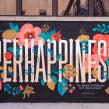 PERHAPPINESS mural pintado com minha amiga Cris Pagnoncelli <3. Um projeto de Ilustração, Pintura, Caligrafia, Lettering, H e lettering de Cyla Costa - 28.07.2020