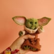 Bebé Yoda visita Juanamatú. A Sculpture, Art To, and s project by Juanamatú (Katerin J Gómez) - 08.06.2020