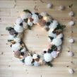 GIANT WREATH WITH LIGHTS. A Crafts project by Christine Leech - 01.09.2021