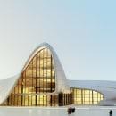 Heydar Aliyev based on Zahaa Hadid´s Building. Un proyecto de Arquitectura de Lemons Bucket CB - 21.08.2014