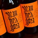 Mandràgora. Edición Orange Ginger & the Boomerangs. Cerveza con jengibre y naranja.. Um projeto de Design, Design gráfico, Tipografia e Caligrafia de Oriol Miró Genovart - 02.05.2015