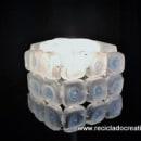 Lámpara con 45 botellas de plástico pequeñas - Reciclado, reciclaje, upcycling. A Crafts project by Rosa Montesa Reciclado Creativo - 11.06.2015