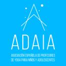 ADAIA: Asociación española de profesores de yoga para niños y adolescentes. Um projeto de Br, ing e Identidade, Direção de arte e Web design de Daniel García Cabaleiro - 25.06.2017