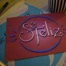 + Sé Feliz + Mi proyecto de Secretos Dorados del Lettering.. Um projeto de Design gráfico e Lettering de adelgado2210 - 23.09.2017
