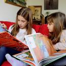 """Book trailer: Colección """"Atlas de aventuras"""". Un proyecto de Ilustración, Publicidad, Cine, vídeo, televisión, Escritura y Vídeo de Violeta Barca-Fontana - 25.11.2017"""