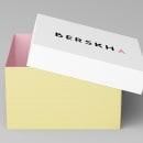 Mi Proyecto del curso: Diseño de packaging para zapatillas de Berskha. A Editorial Design, Graphic Design, Packaging, Pictogram Design, and Logo Design project by María Lázaro Torres - 11.30.2018