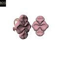 Earrings with a soft organic shape. Un proyecto de Diseño de jo y as de Santi Casanova González - 11.12.2018