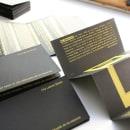 Diseño de catálogo para exposición / Bia Bittencourt- Gracias por hacer un uso adecuado de los espacios. Un proyecto de Diseño, Comisariado, Diseño editorial, Bellas Artes, Diseño gráfico, Creatividad y Estampación de Ora Labora Studio - 02.09.2018