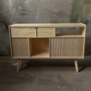 Mueble Audio. Um projeto de Artesanato, Design de móveis e Design de produtos de Patricio Ortega (Maderística) - 22.08.2019