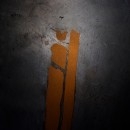"""""""Cenotafio"""" Obra que trata sobre los rieles de tren que fueron empleados por la dictadura cívico-militar de Augusto Pinochet, para hacer desaparecer cuerpos de ejecutados políticos al lanzarlos al mar.. Um projeto de Concept Art de Cristian Maturana Ortiz - 10.11.2017"""