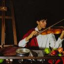 The Violin Player. A Portrait photograph project by Felipe Corrêa - 01.05.2020