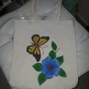 Mi Proyecto del curso: Composición floral con acrílico y bordado. Un proyecto de Bordado de Dhayana De La Rosa - 16.04.2020
