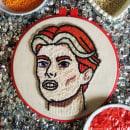 Bowie. Um projeto de Bordado, Criatividade e Ilustração de retrato de Camila Rubio Erazo - 03.06.2020