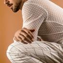 NEW WHITE for Art of Portrait Magazine. Um projeto de Moda, Retoque fotográfico, Fotografia de moda, Fotografia de retrato e Fotografia de estúdio de Juanfe Gómez Rattakunchorn - 22.07.2020