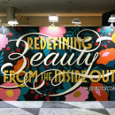 Murais pintados para a Beautycon em NYC. Un proyecto de Ilustración, Pintura, Caligrafía, Lettering, H, lettering e Ilustración con tinta de Cyla Costa - 28.07.2020