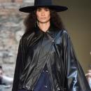 BOBSTORE - AW 2020. Um projeto de Design, Br, ing e Identidade, Design de vestuário, Consultoria criativa, Moda e Design de moda de André Boffano - 15.10.2019