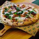 Riveda Pizzeria | Branding. Un proyecto de Br e ing e Identidad de Ricardo Planelles - 08.03.2021