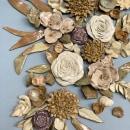 Arreglo Floral de pared en cerámica. Um projeto de Design, Instalações, Artesanato, Escultura e Cerâmica de Kiara Hayashida - 15.03.2021