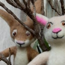 Mr. Hare and Ms. Rabbit. Needle Felting.. A Character Design, Crafts, To, Design, Character animation, Art To, and s project by Edson Mito - 04.01.2021