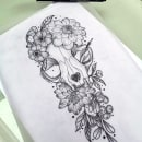 Botanical tattoo with pointillism tattoo design. Un projet de Illustration, Conception de tatouage et Illustration botanique de Mentiradeloro Esther Cuesta - 24.04.2021