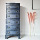 Chalk Painted Furniture (One Colour & Waxes). Un proyecto de Bellas Artes, Diseño de muebles, Creatividad, Brush painting, Creatividad con niños, Teoría del color, Upc y cling de Chloe Kempster - 07.05.2021