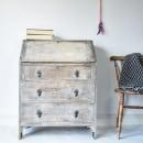 Using a White Wash to create a Rustic look . Un proyecto de Diseño de muebles, Pintura, Pintura a la acuarela, Brush painting, Upc y cling de Chloe Kempster - 07.05.2021