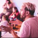 13 años dando clases. Um projeto de Educação, Design de cenários e TV de Merakio - 12.05.2021