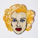 Marilyn Monroe. Retratos Bordados en Pedrería ❤. Um projeto de Criatividade, Bordado e Desenho de Retrato de Camila Rubio Erazo - 01.12.2019