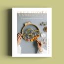 Dried Flower Embroidery Book published by Quadrille. Um projeto de Artesanato, Moda e Design de acessórios de Olga Prinku - 07.08.2021
