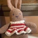 Conejito del curso: Amigurumi: creación de personajes con ganchillo. Um projeto de Artesanato, Design de brinquedos, Tecido, Crochê e Amigurumi de Clara Torres - 17.08.2021