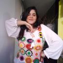 Regata FUXICO . Um projeto de Design de vestuário, Artesanato, Design de moda e Crochê de Beatriz M. de Oliveira - 05.09.2021