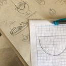 Primeros Bocetos para Domestika . Um projeto de Design de acessórios, Artesanato, Design de joias, Design de produtos, Esboçado, Desenho a lápis e Desenho de VATTEA - 21.09.2021