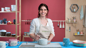 Ceramics: Modeling and Decoration. A Craft course by Paula Casella Biase