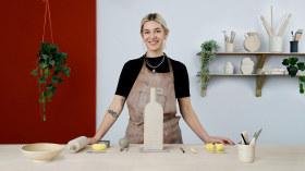 Schöpfung deiner ersten Keramikvase. A Handarbeit course by Lilly Maetzig