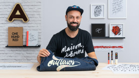 Calligraphy and Lettering for Custom Garments. A Calligraphy, and Typography course by Iván Caíña