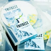 FRITOZZZ. Un progetto di Design, Pubblicità , e Musica e audio di Georgina Maldera - 05.11.2013