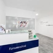 Fonomedical - Branding / Diseño de interior. Un proyecto de Br, ing e Identidad, Diseño gráfico y Diseño de interiores de David González - 30.09.2015