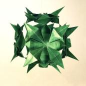 Kusudama verde - Fotografía de Producto. Un proyecto de Artesanía y Fotografía de Glòria López Llebot - 06.03.2016
